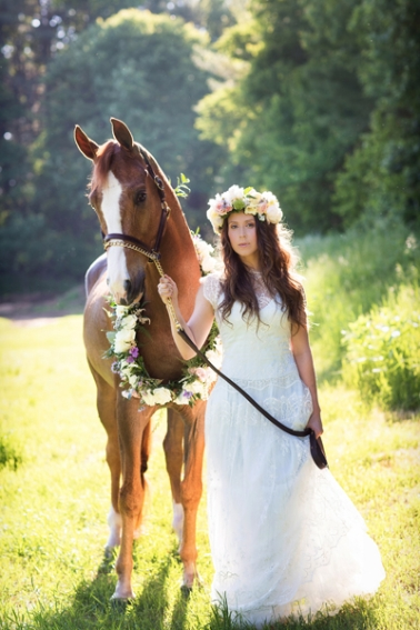 tracey-buyce-photography-bride-with-horse65.jpg