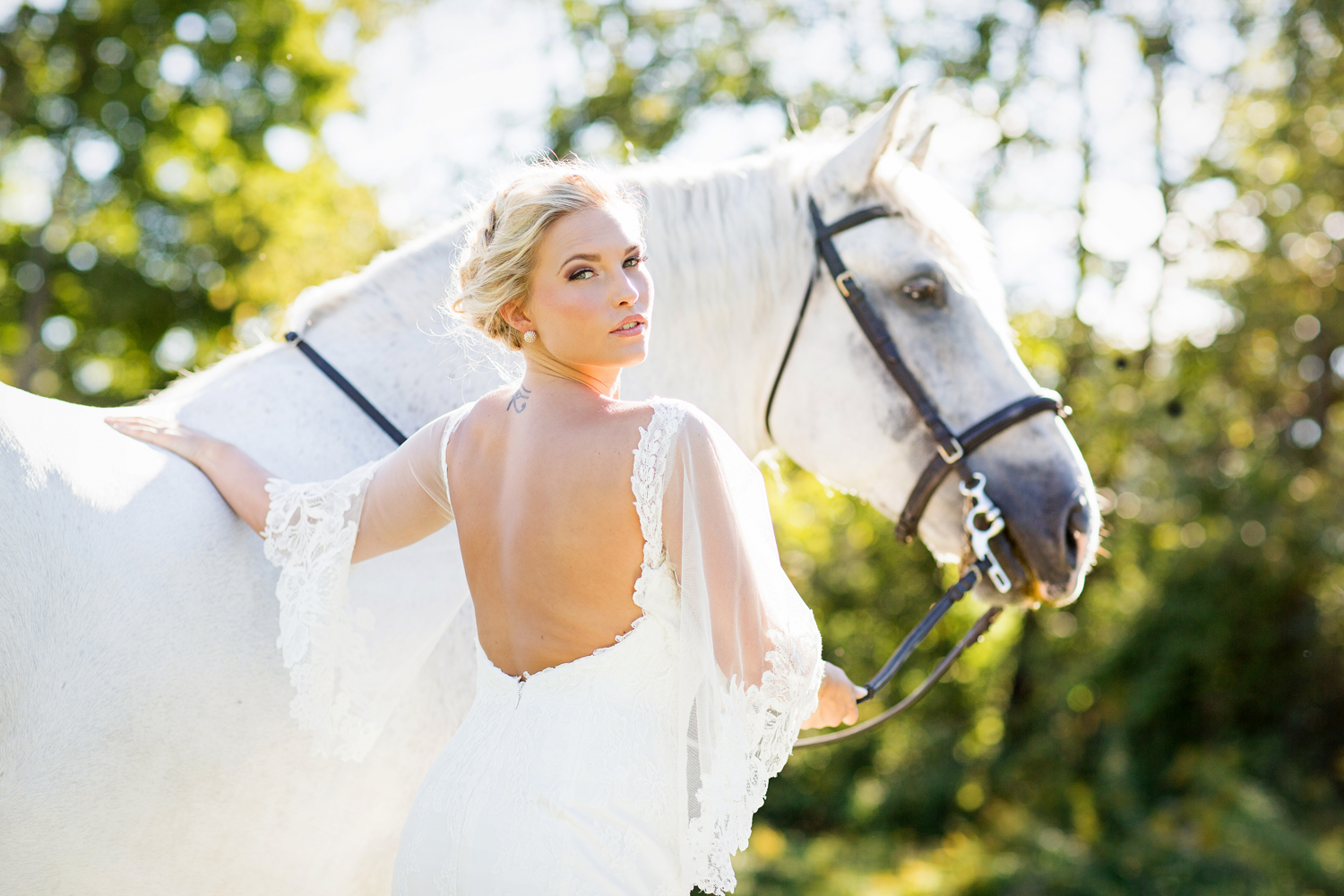 Tracey Buyce wedding photography with horse43.jpg