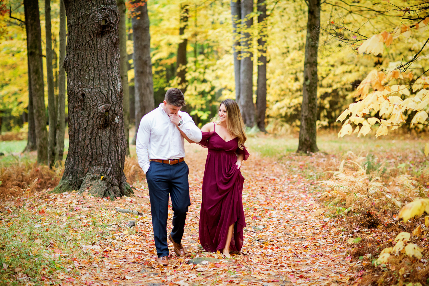 Saratoga NY Fall engagement Photographer09.jpg