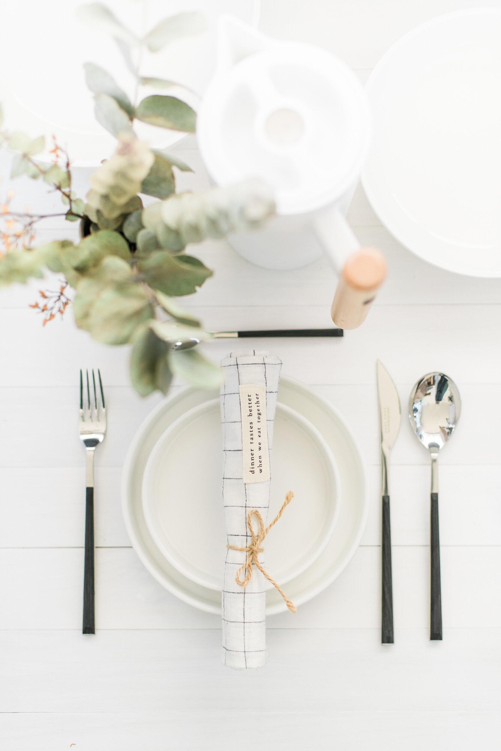 minimalist-tablescape-8.jpg