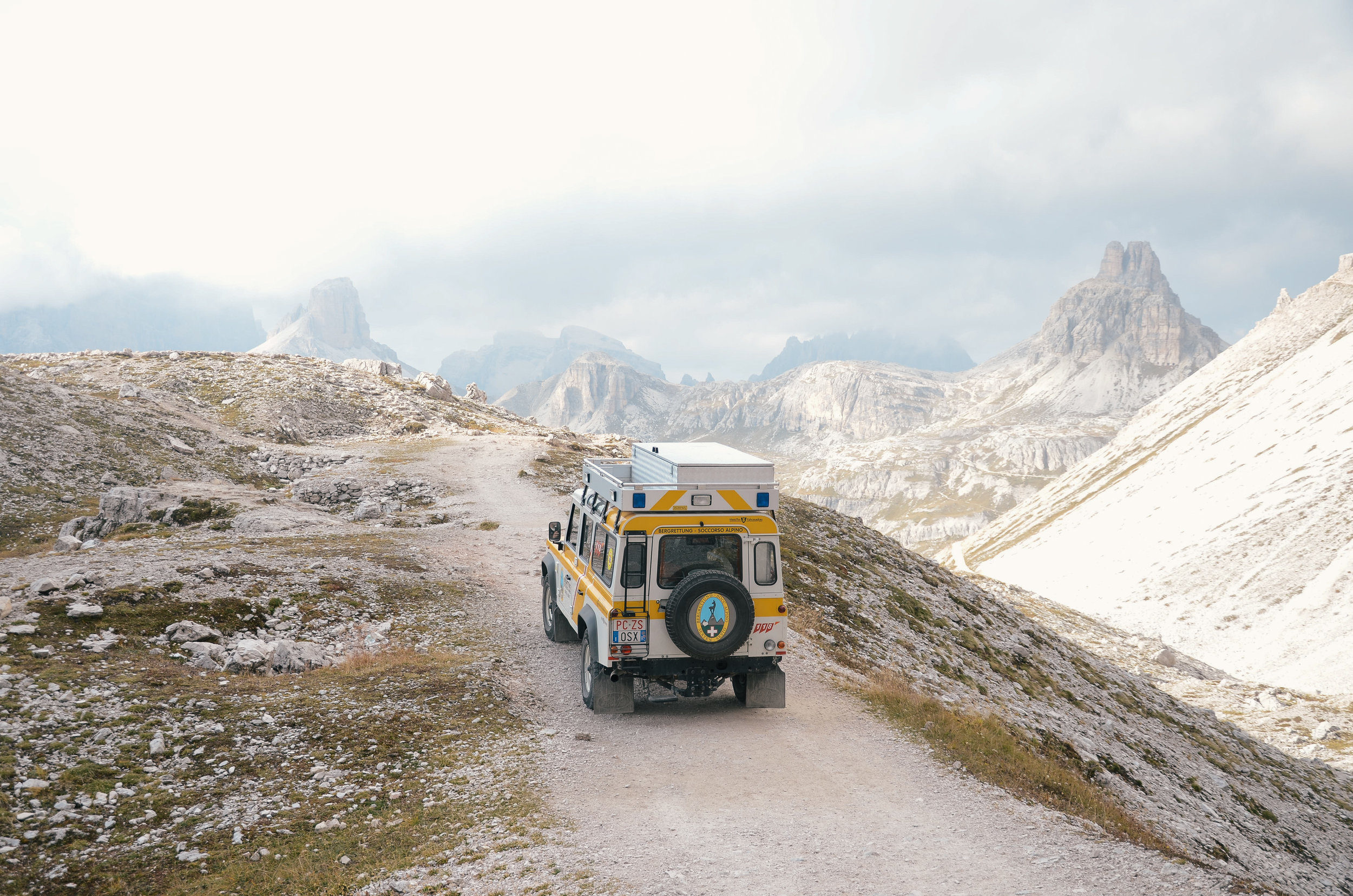 adventure-in-italy-3-hikes-dolomites-hiking-travel-blog-tyrol-15.jpg