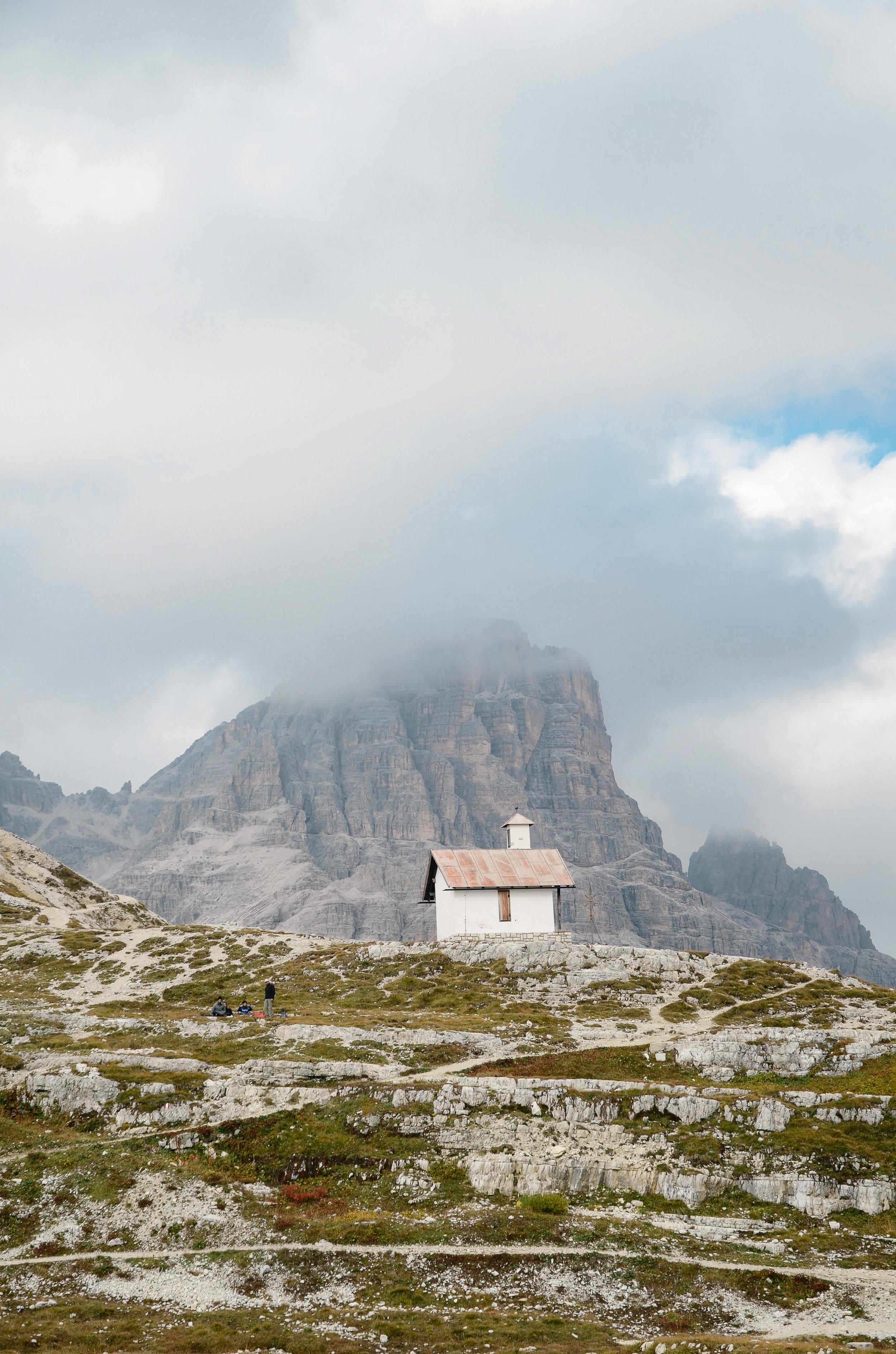 adventure-in-italy-3-hikes-dolomites-hiking-travel-blog-tyrol-14.jpg