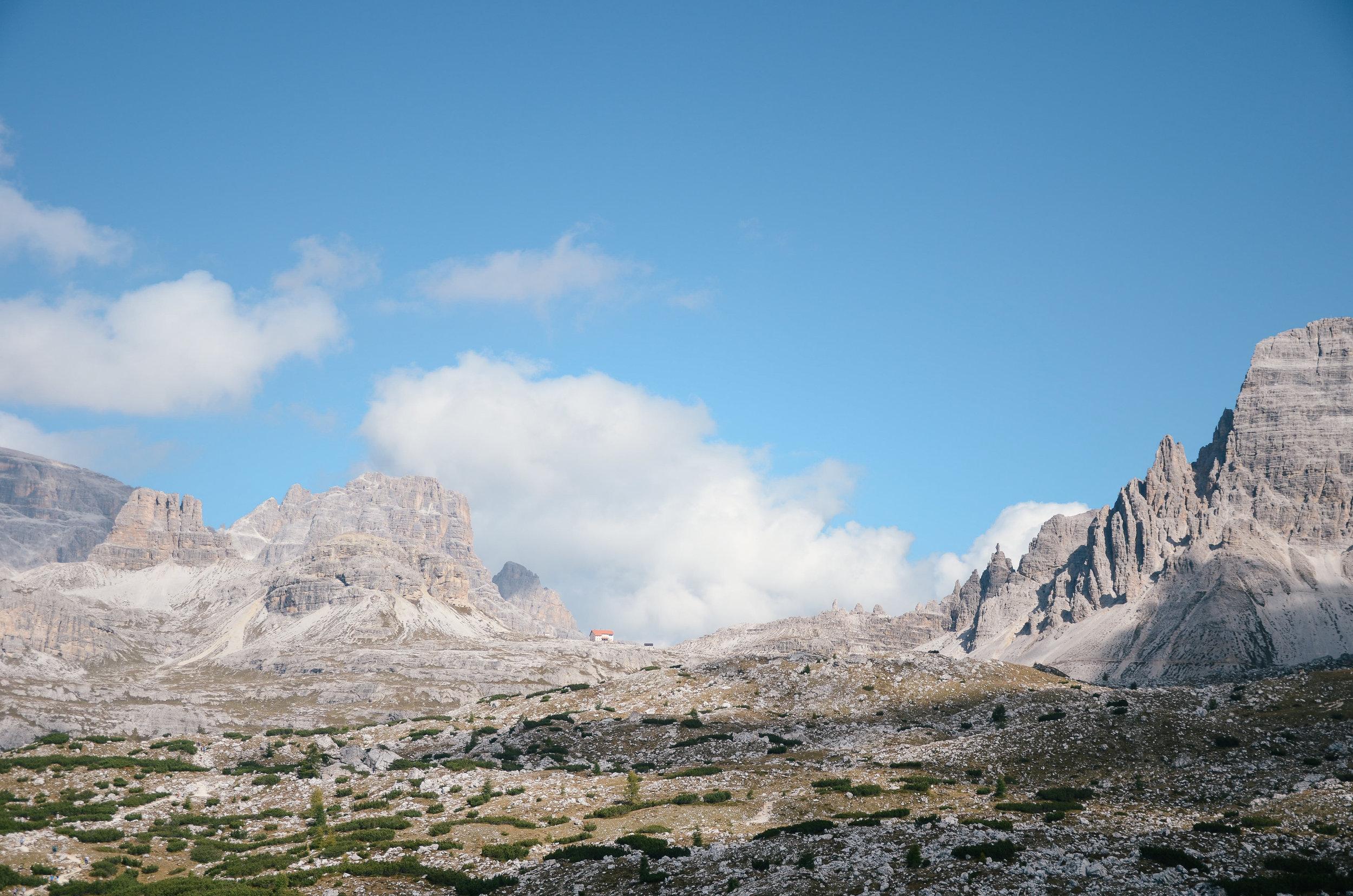 adventure-in-italy-3-hikes-dolomites-hiking-travel-blog-tyrol-30.jpg