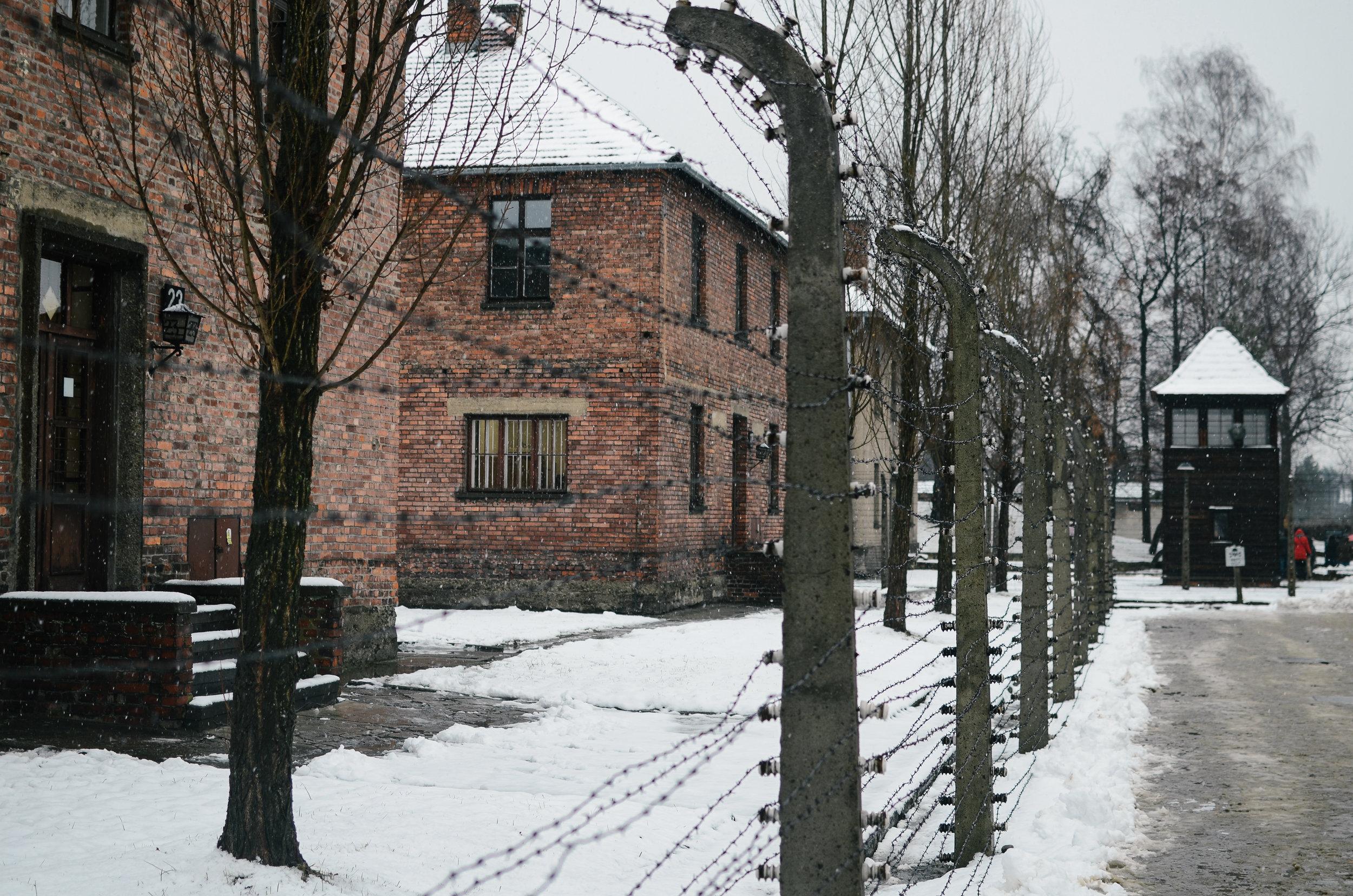 aushwitz-krakow-poland-travel-guide-lifeonpin_DSC_1026.jpg