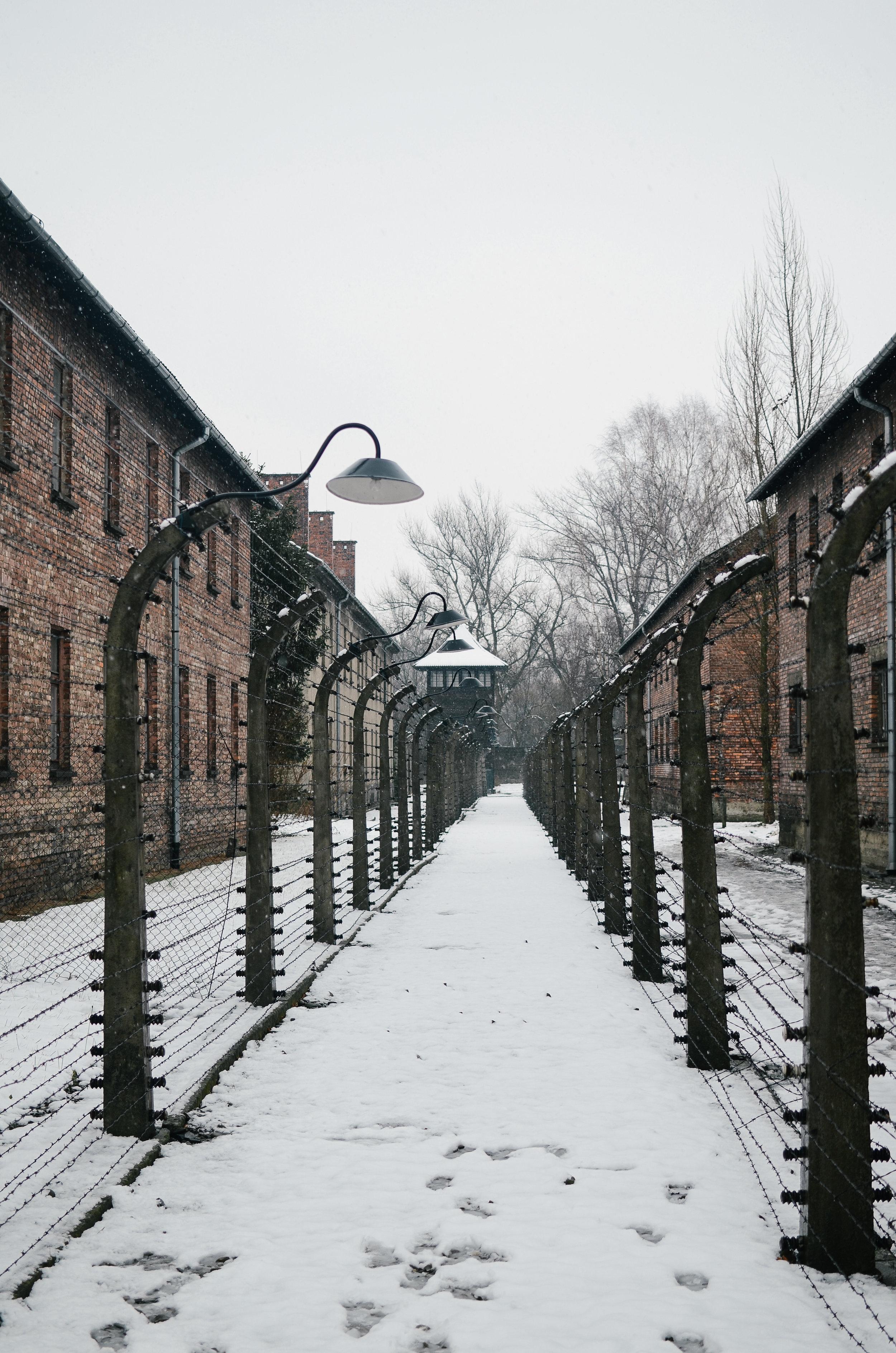 aushwitz-krakow-poland-travel-guide-lifeonpin_DSC_1028.jpg