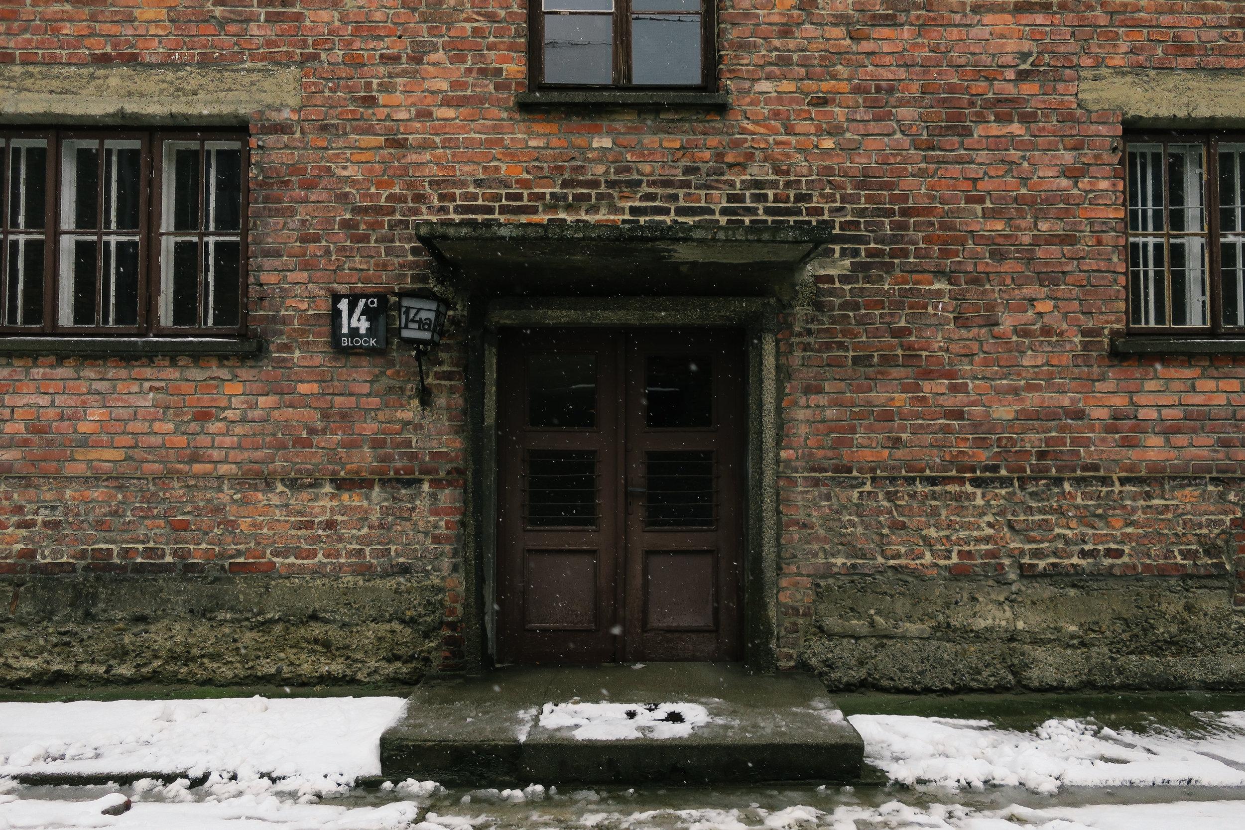 aushwitz-krakow-poland-travel-guide-lifeonpin_IMG_0181.jpg