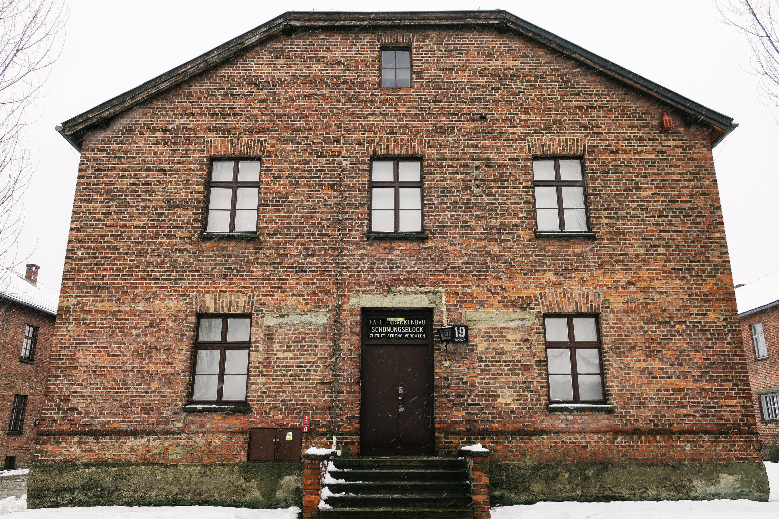 aushwitz-krakow-poland-travel-guide-lifeonpin_IMG_0209.jpg