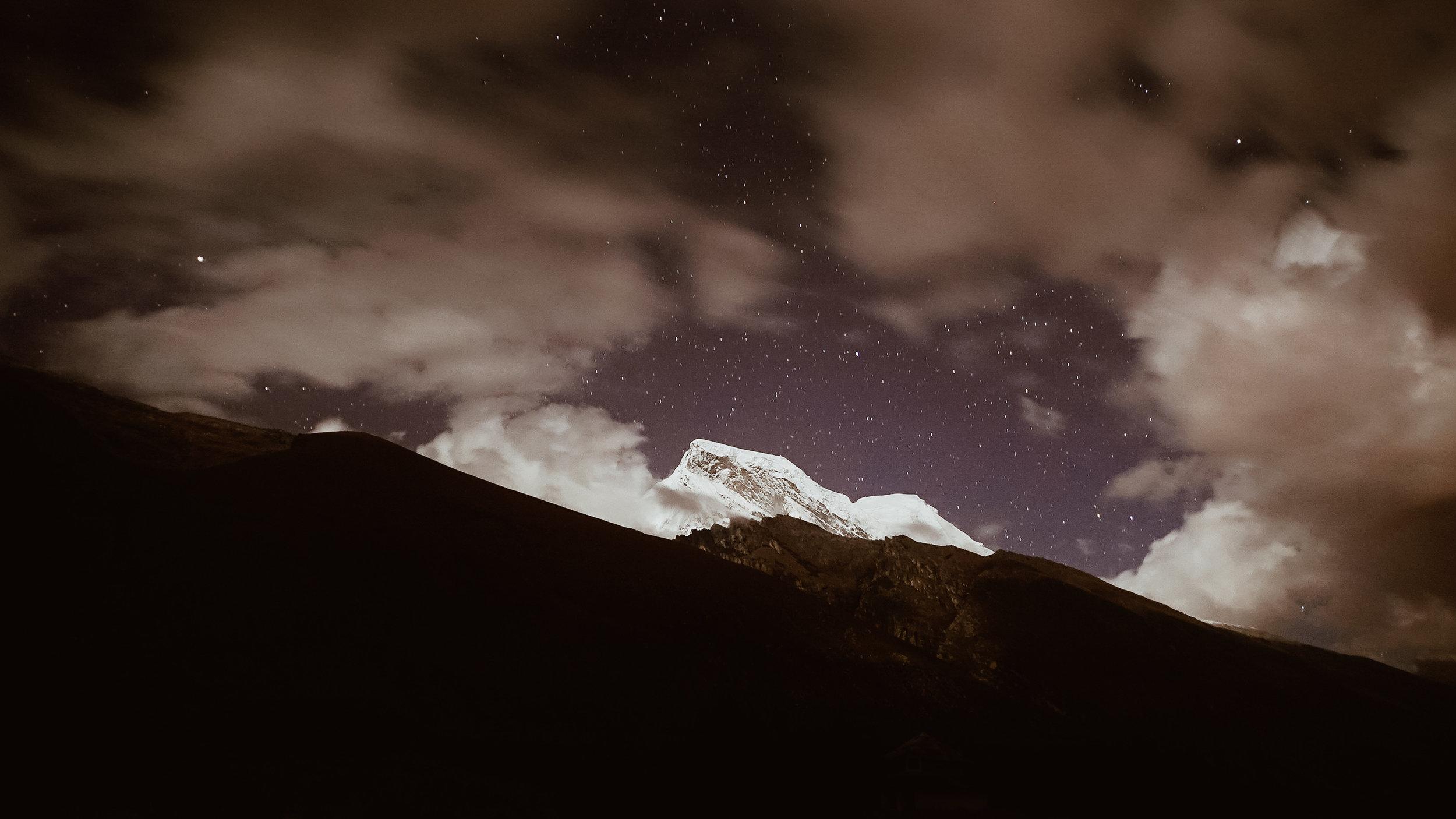 laguna+lake+69+hike+peru+travel+guide+life+on+pine_huascaran-stars-2.jpg