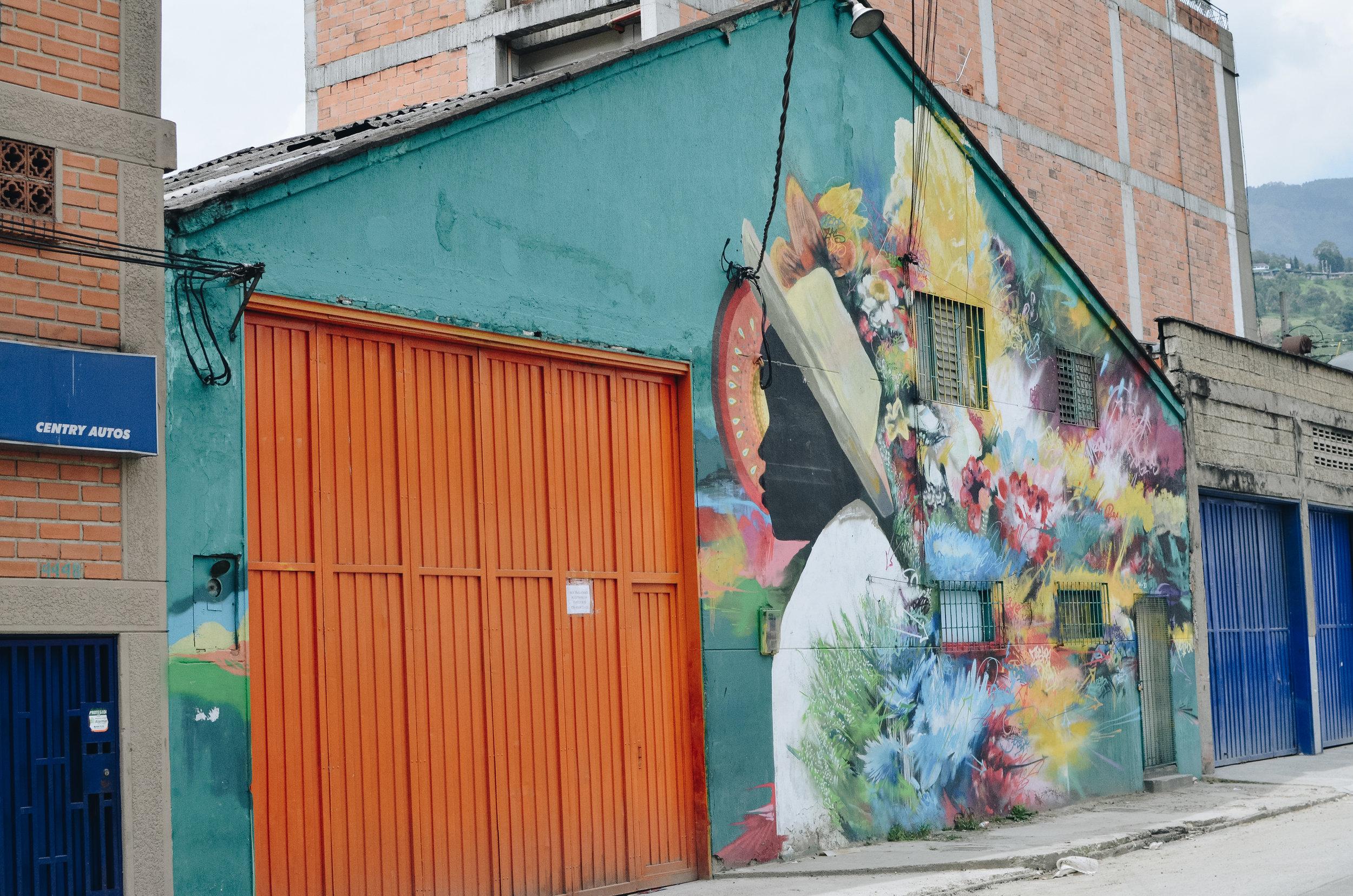 Medellin+Colombia_Life_on_Pine_DSC_0938.jpg