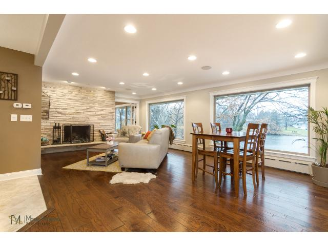 2700-forest-dale-road-new-brighton-02-living-room.jpg