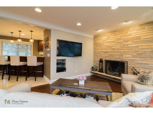 2700-forest-dale-road-new-brighton-03-living-room-2.jpg