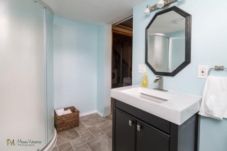 3957-Quincy-St-Columbia-Heights-MN-55421-15-bath.jpg