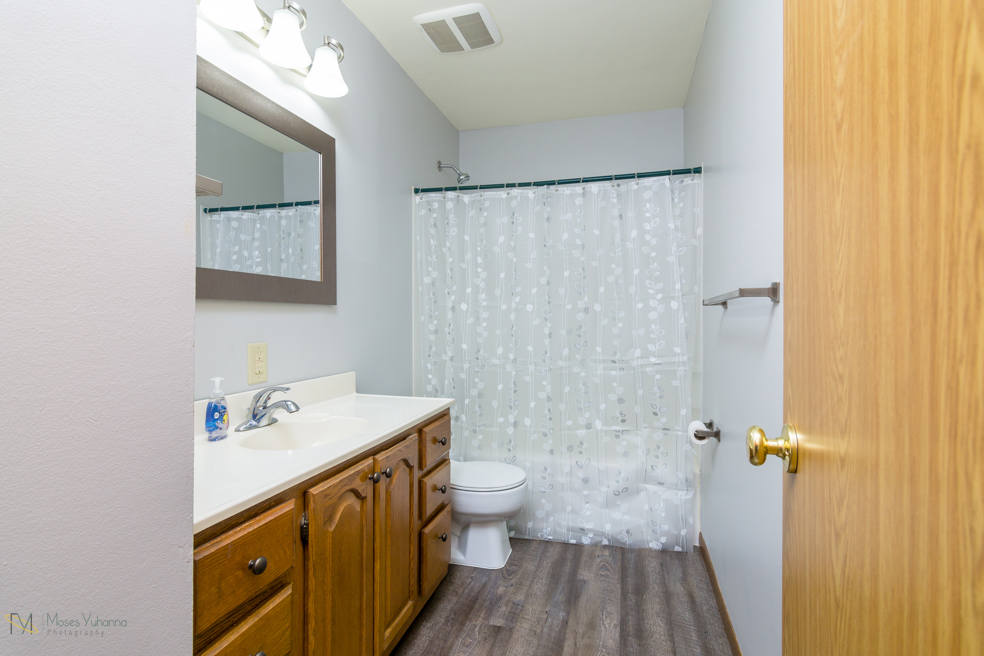 14041-crosstown-blvd-nw-andover-mn-55304-bath main.jpg