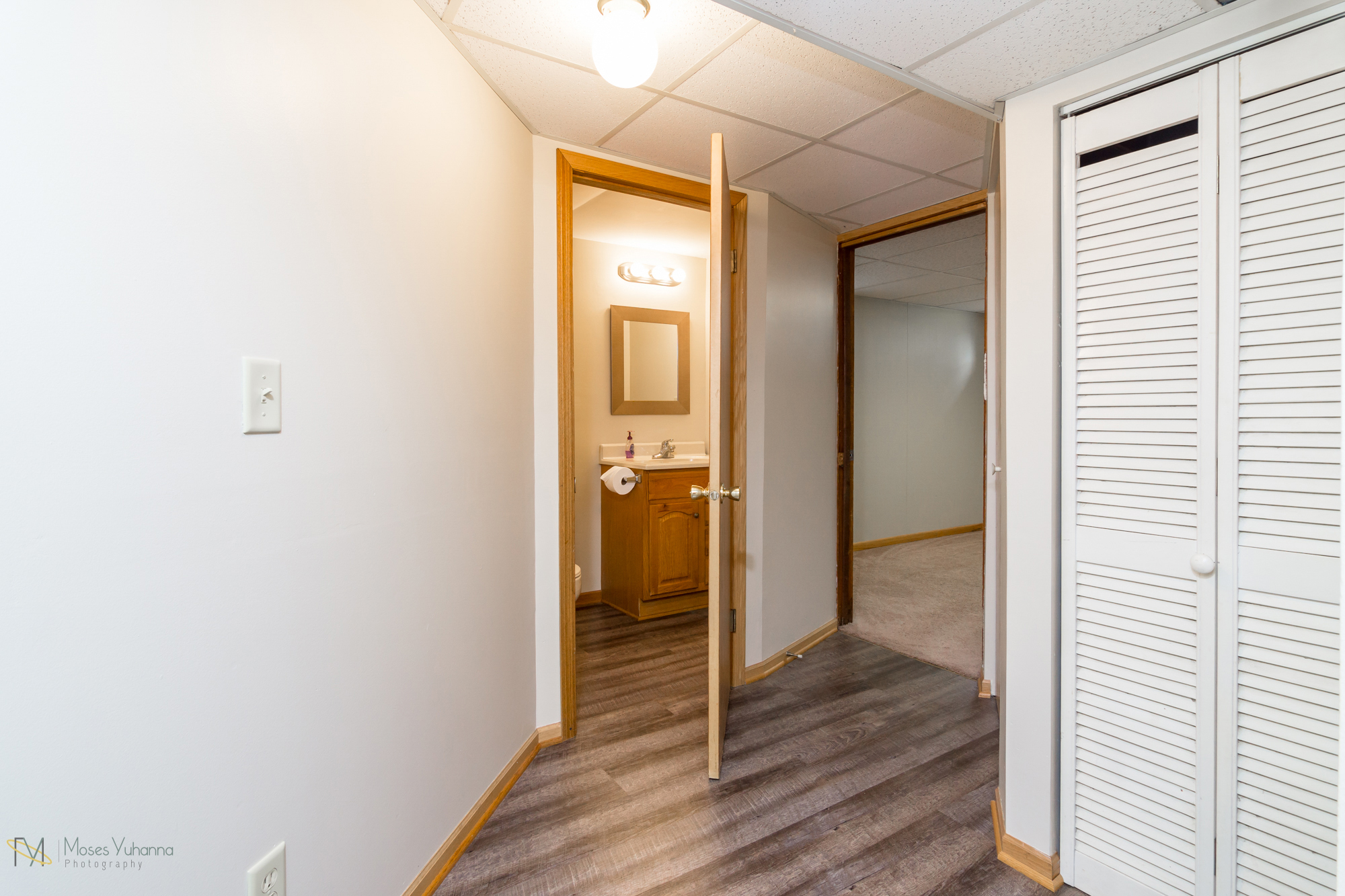 14041-crosstown-blvd-nw-andover-mn-55304-hallway lower.jpg
