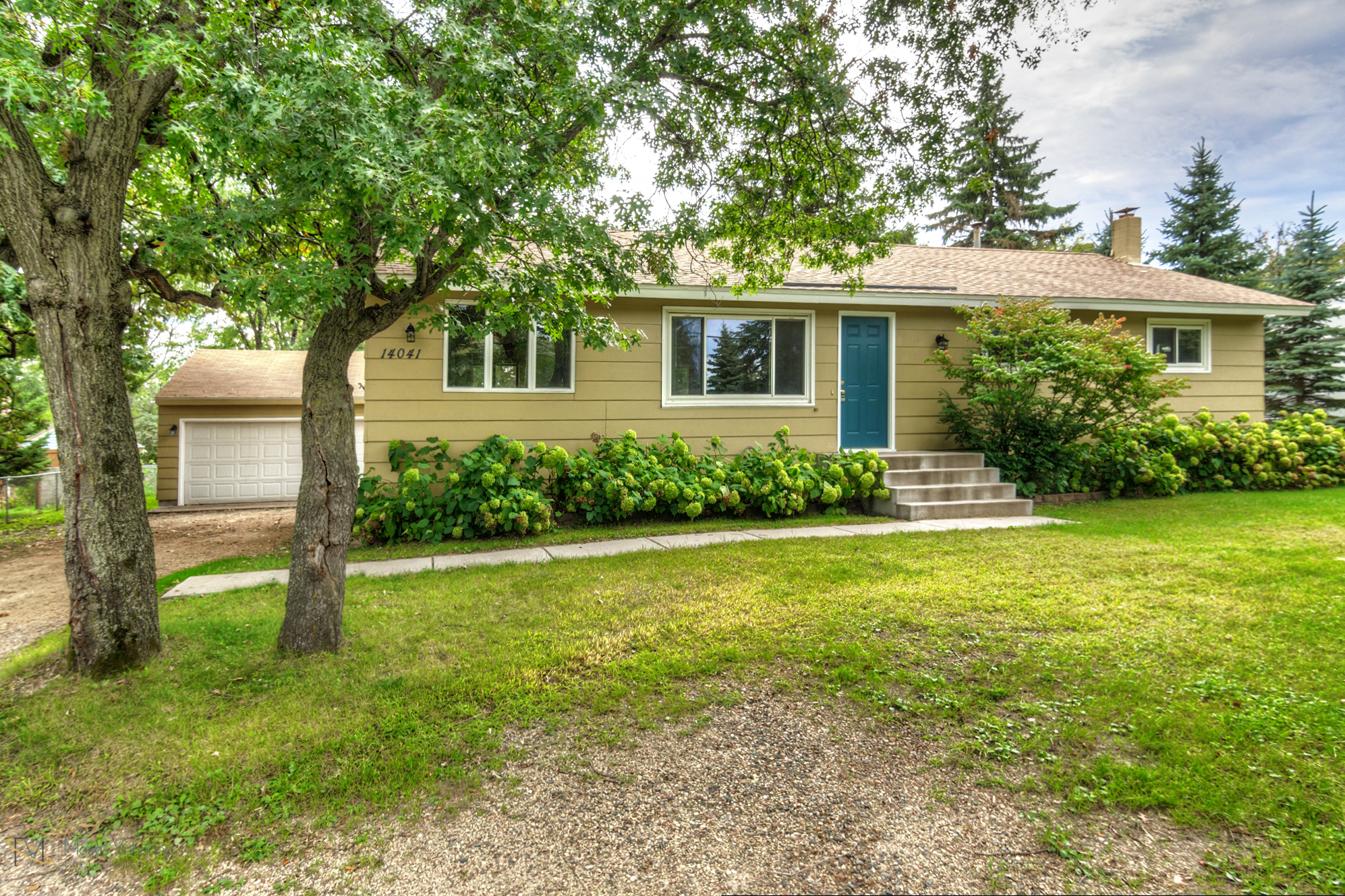 14041-crosstown-blvd-nw-andover-mn-55304-front.jpg