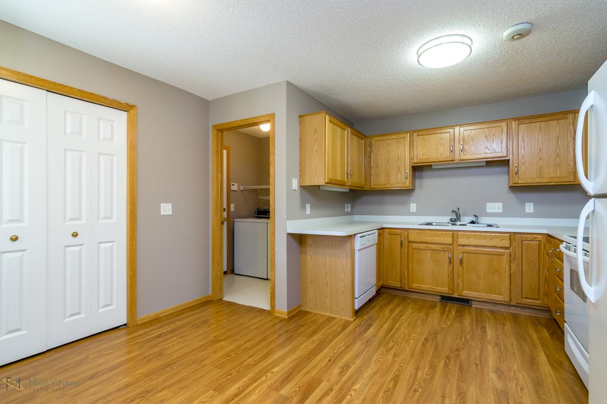 10785-181st-circle-elk-river-mn-kitchen.jpg