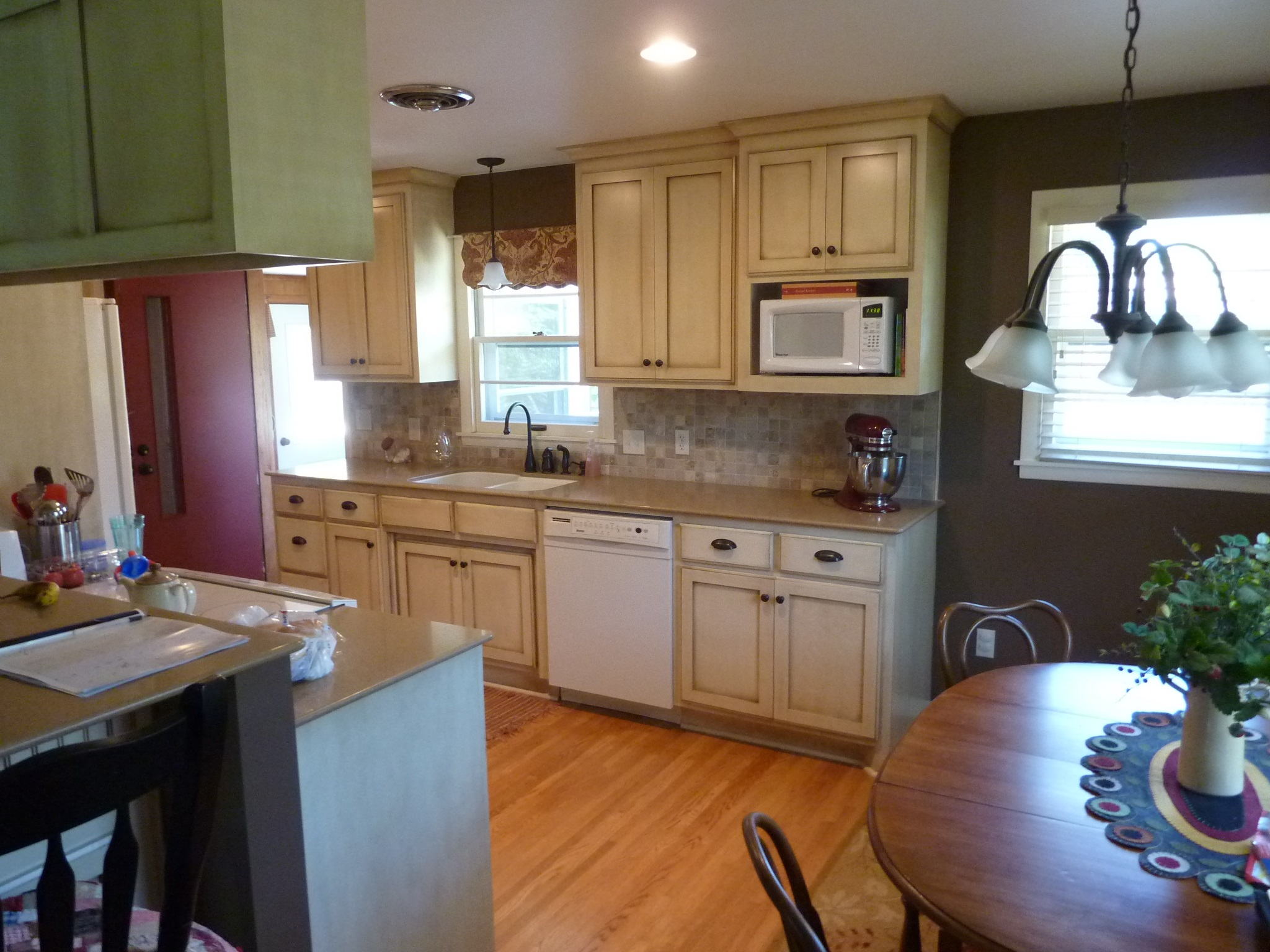 07 Kitchen 2.jpg