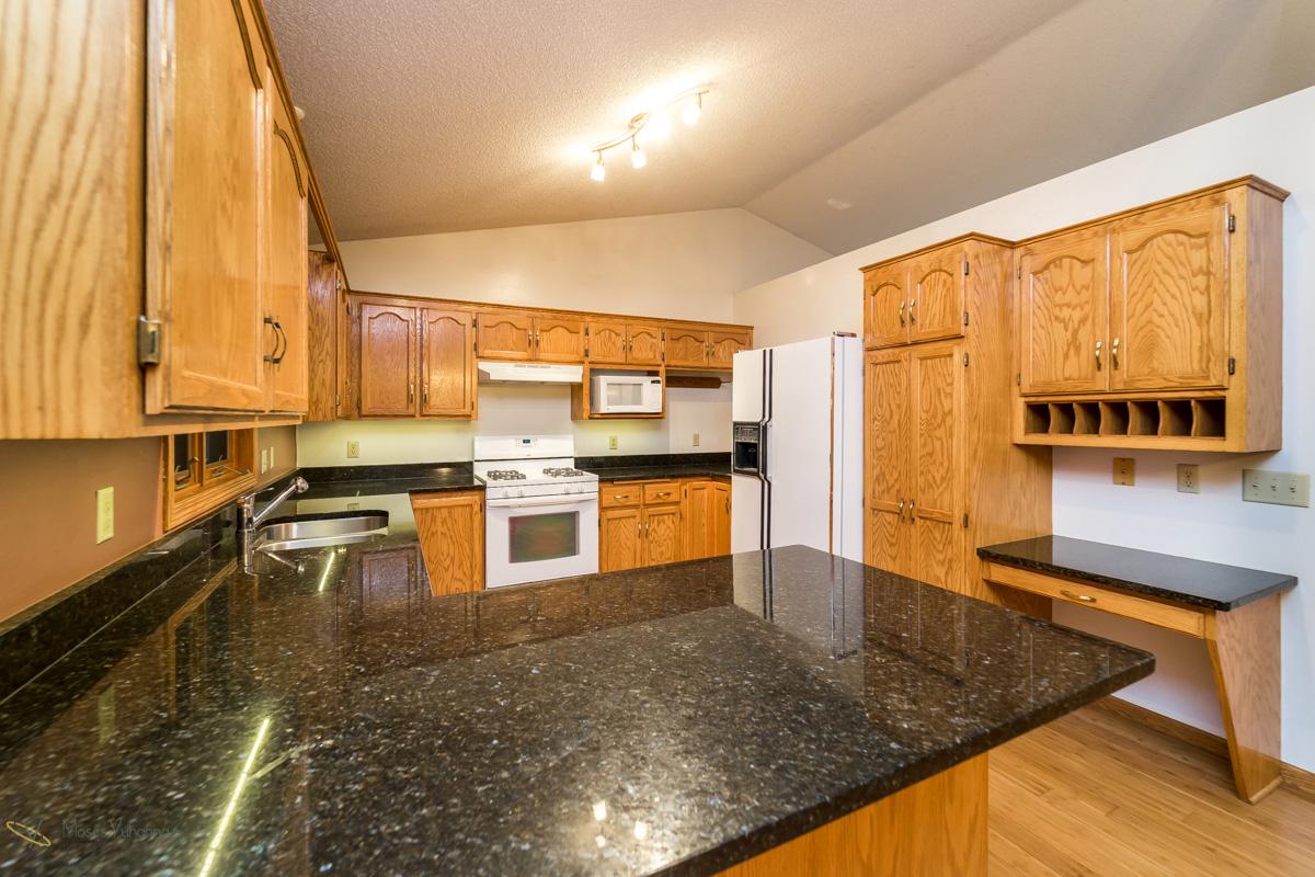 13270-marigold-street-nw-coon rapids-kitchen2.jpg