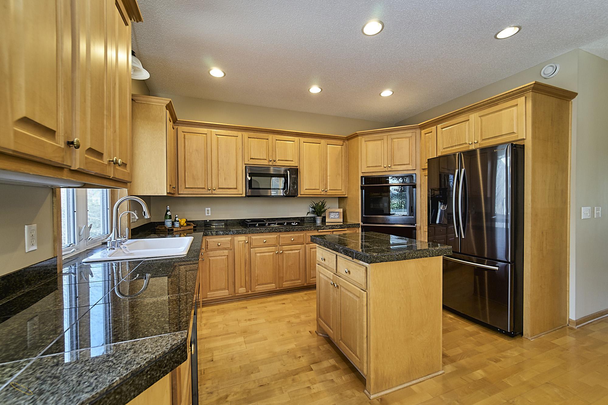 13770-Cottonwood-St-NW-Andover 10 kitchen.jpg