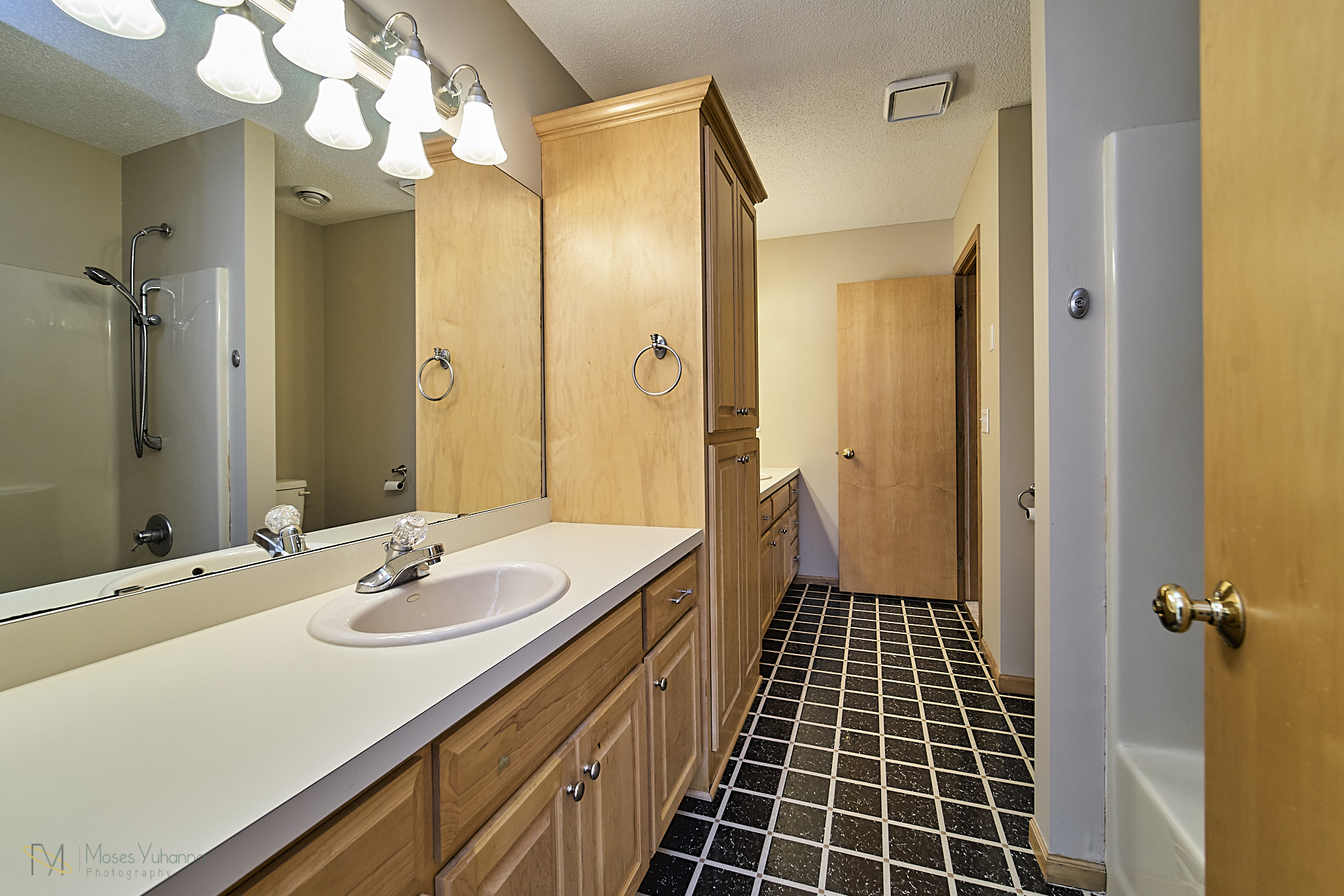 13770-Cottonwood-St-NW-Andover 19 Bath LL.jpg