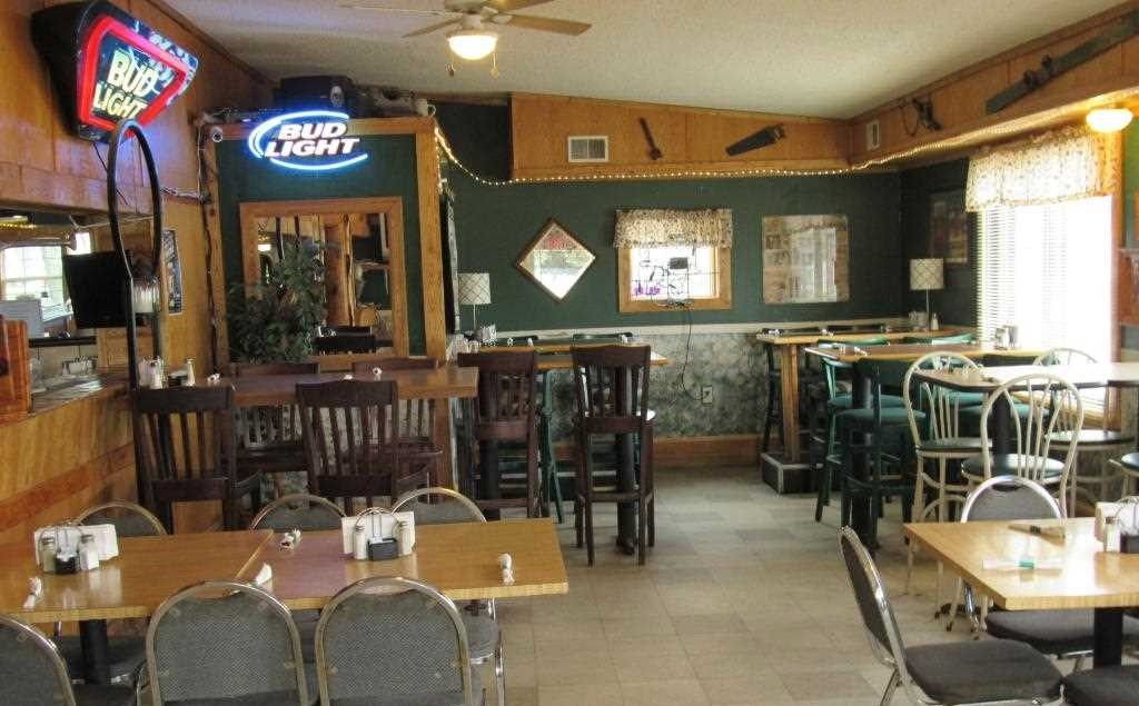 4 Dining Area.jpg