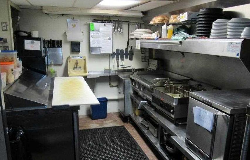 4.5 Kitchen.jpg