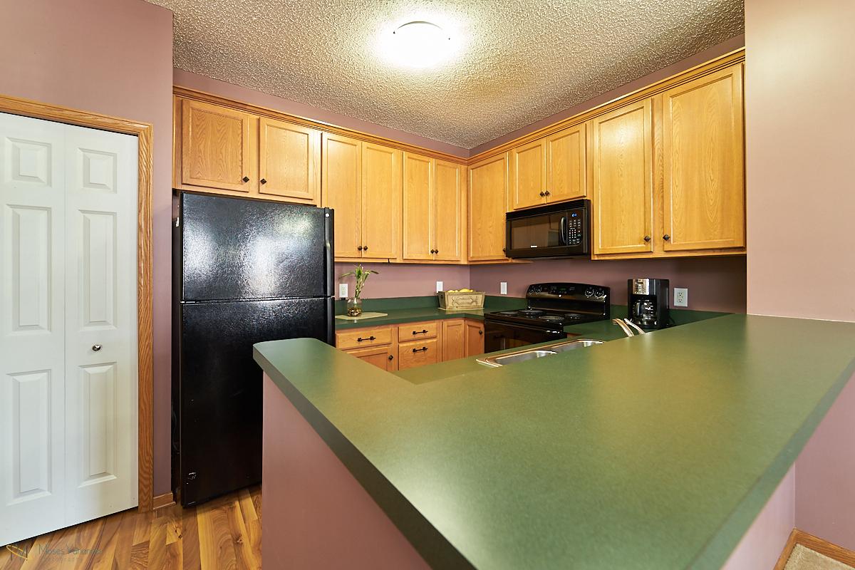 14645-rhinestone-street-nw-ramsey-mn-kitchen5.jpg