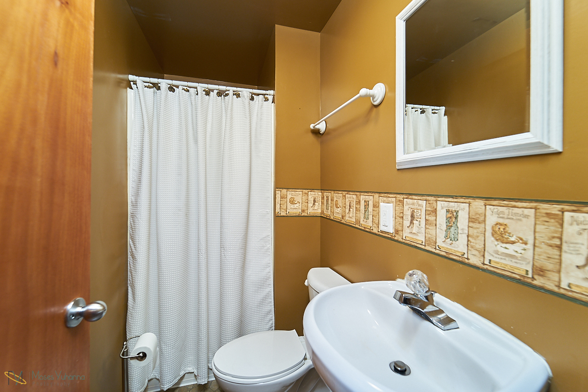 21 Bath LL.jpg