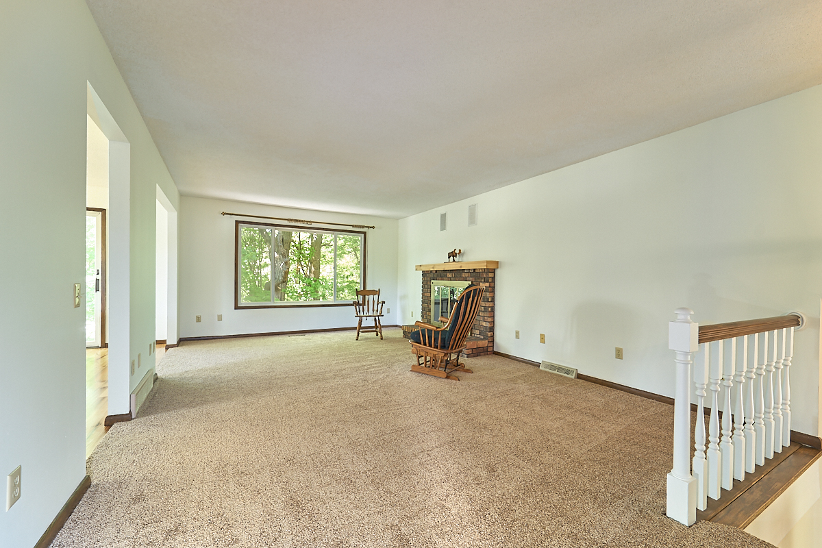 17211-davenport-street-ham-lake-living-room.jpg