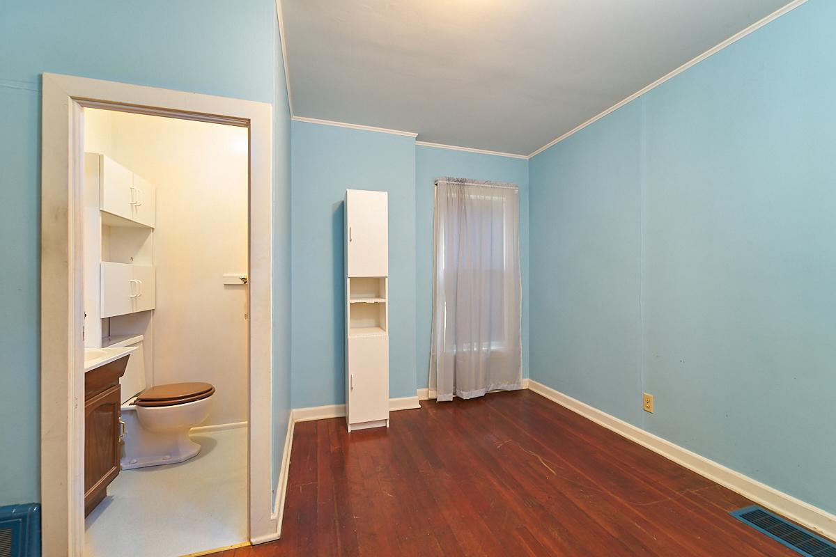 1482-concordia-avenue-stpaul-mn-bedroom.jpg