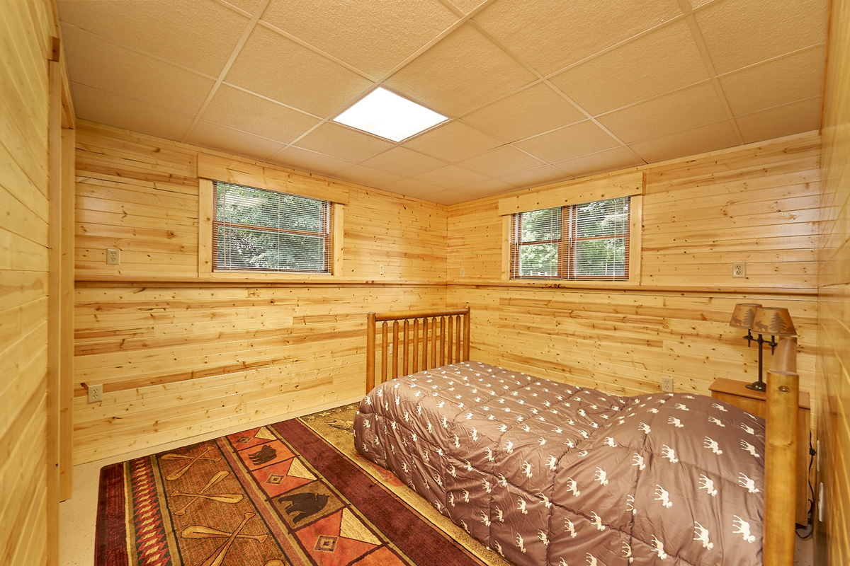 28431-jeffery-avenue-chisago-city-mn-4-ll-bedroom.jpg