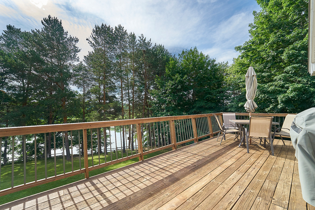 28431-jeffery-avenue-chisago-city-mn-deck.jpg