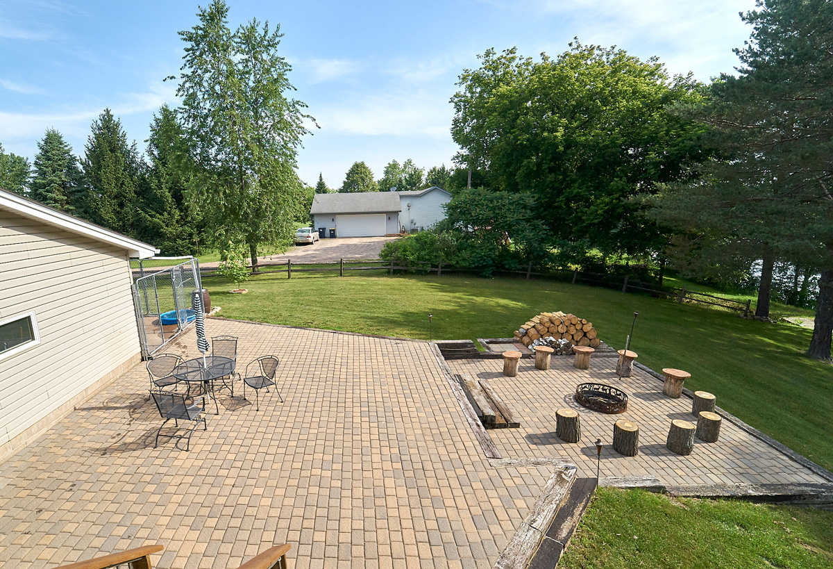 28431-jeffery-avenue-chisago-city-mn-patio4.jpg