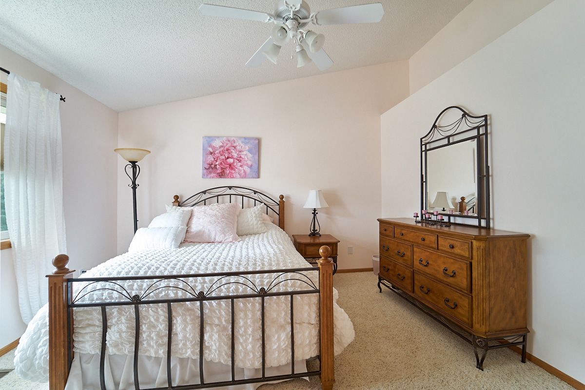 12597-thrush-street-nw-coon-rapids-mn- 1 bedroom 2.jpg