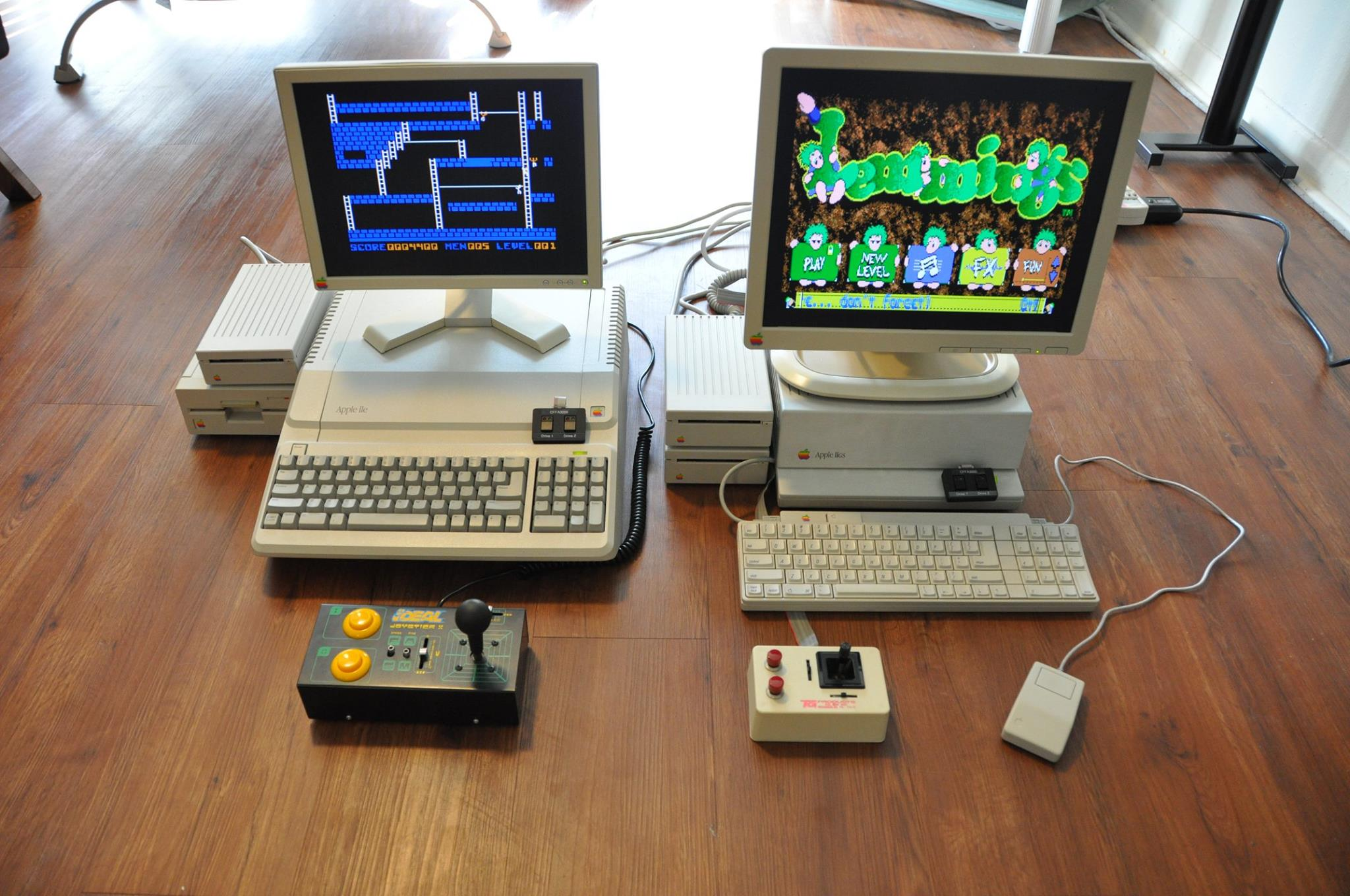 Apple //e Platinum and Apple IIgs