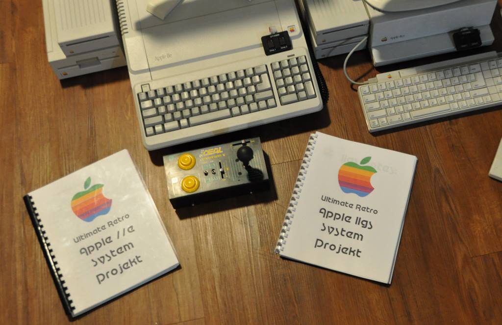 Apple //e Platinum and Apple IIgs with documentation for resto builds