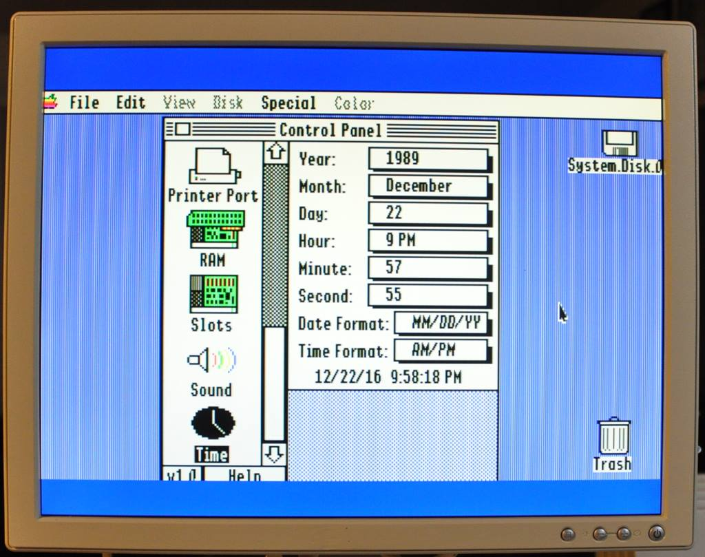 Apple IIGS with date set at 12/22/16 using an upgraded OS.