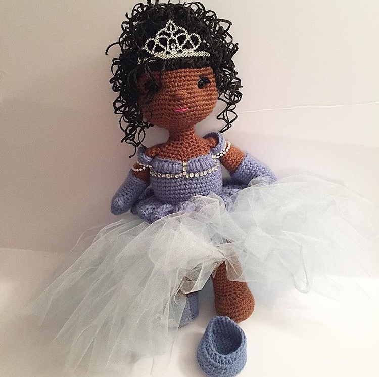 Yes, this is Brandi, as Cinderella, in doll form! *cries in 90's baby nostalgia*