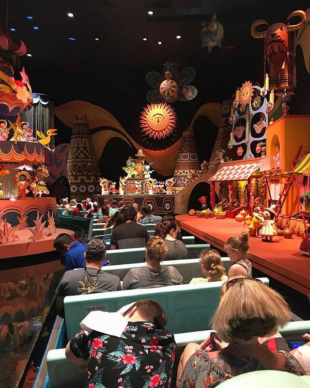 """We have been stuck on """"It's a Small World"""" for more than 25 minutes. Rides have been breaking all day. @waltdisneyworld please. This is an awful experience today."""