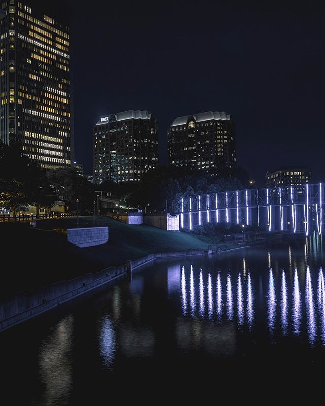 Night lights on the canal. Haven't done any shots like this in a while. Shout to all the #creators in #RVA making dreams reality.