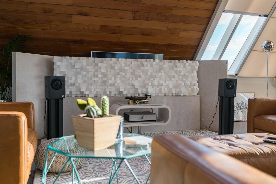 Advice on choosing the best hifi system for apartments and small spaces.