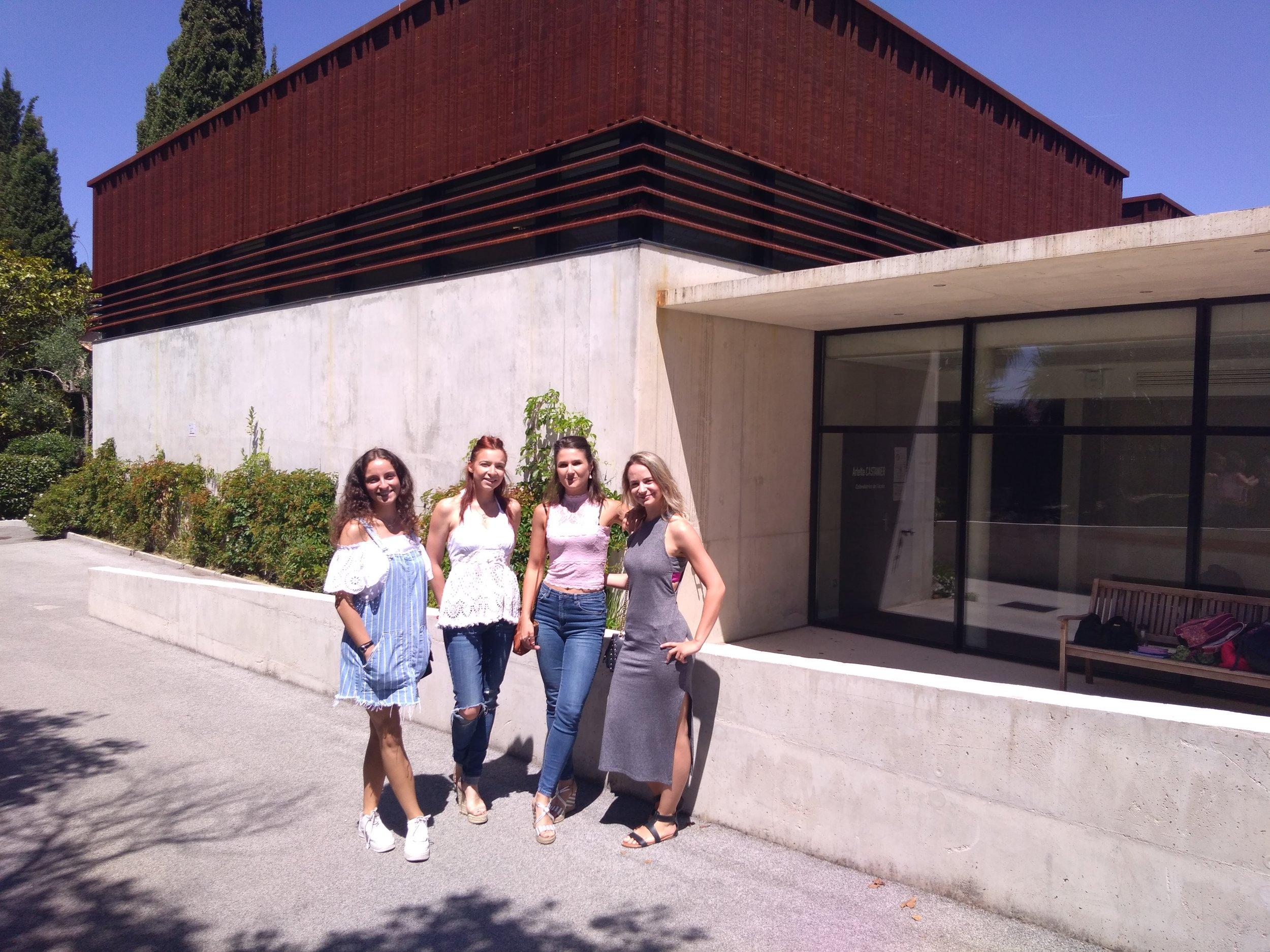 Les étudiantes : Pénélope Lo Iacono, Lauryanne Cizel, Mélina Raynaud & Johanne Dumas