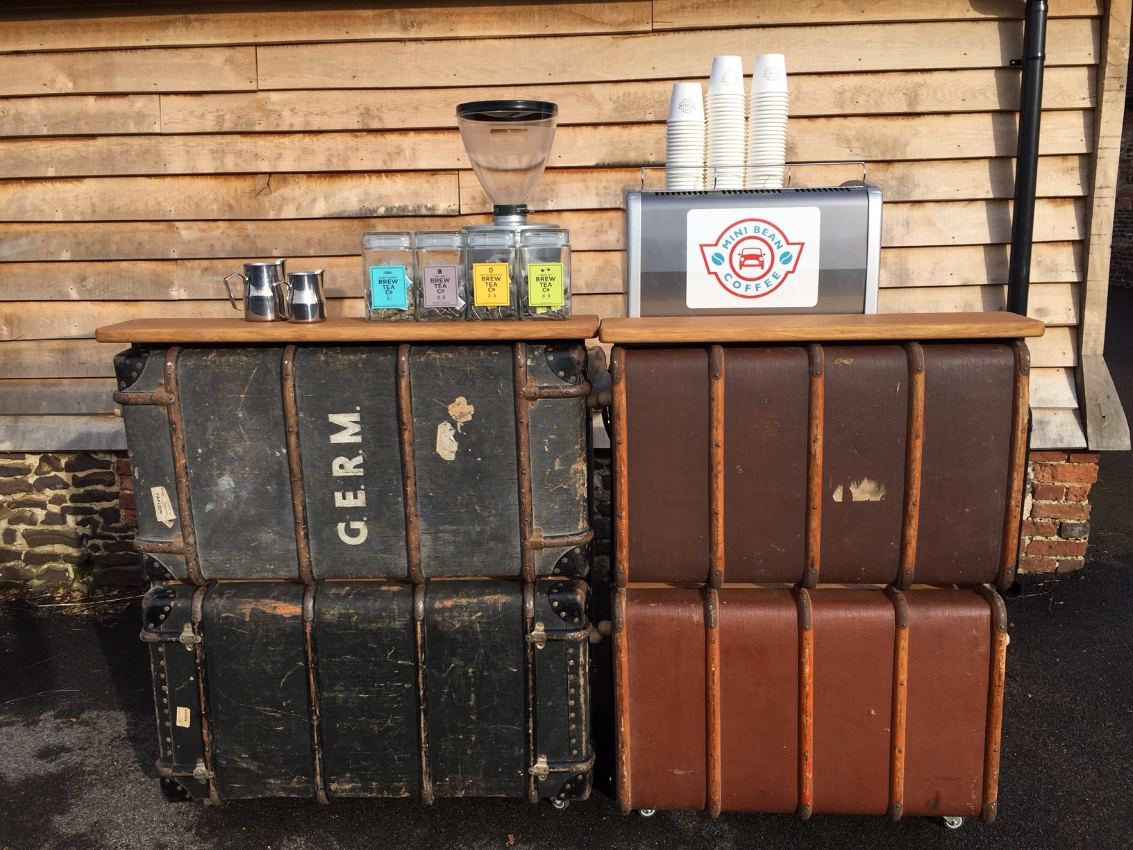Vintage Trunk Bar