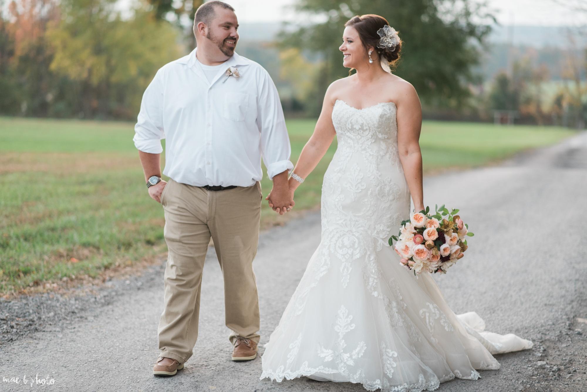 Sarah & Dustin's Rustic Chic Barn Wedding at Hartford Hill Winery in Hartford, Ohio by Mae B Photo-90top.jpg