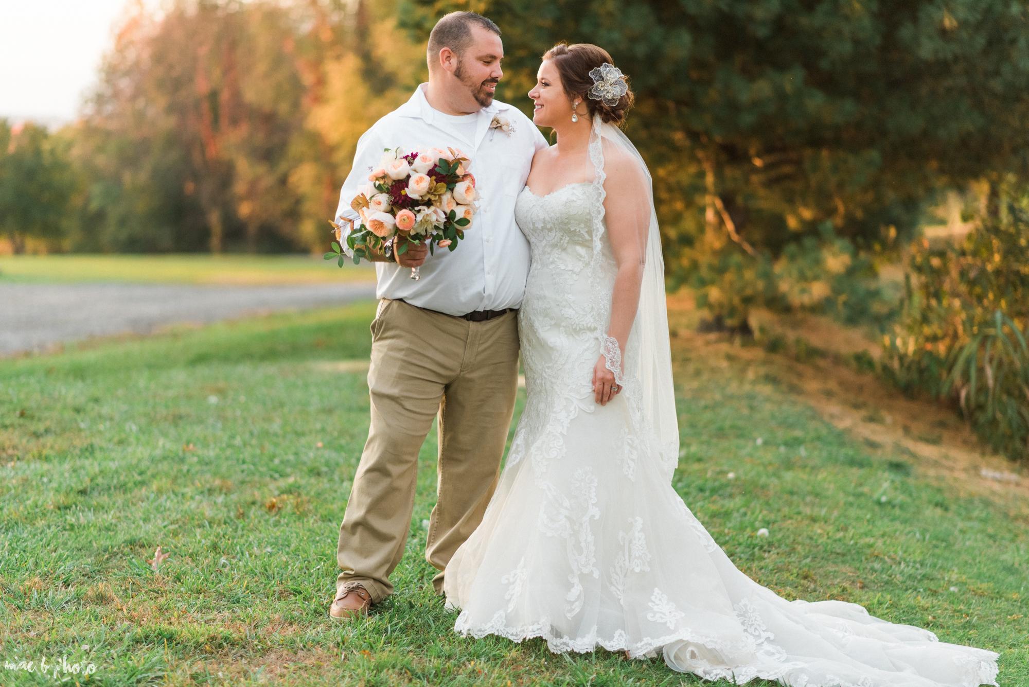 Sarah & Dustin's Rustic Chic Barn Wedding at Hartford Hill Winery in Hartford, Ohio by Mae B Photo-81.jpg