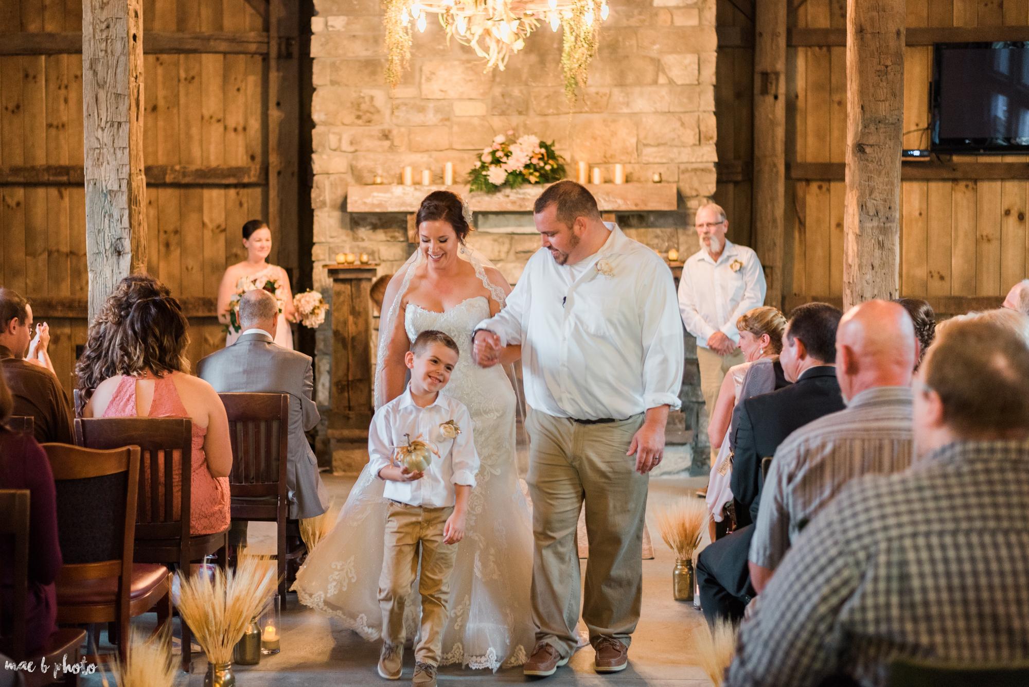 Sarah & Dustin's Rustic Chic Barn Wedding at Hartford Hill Winery in Hartford, Ohio by Mae B Photo-49.jpg
