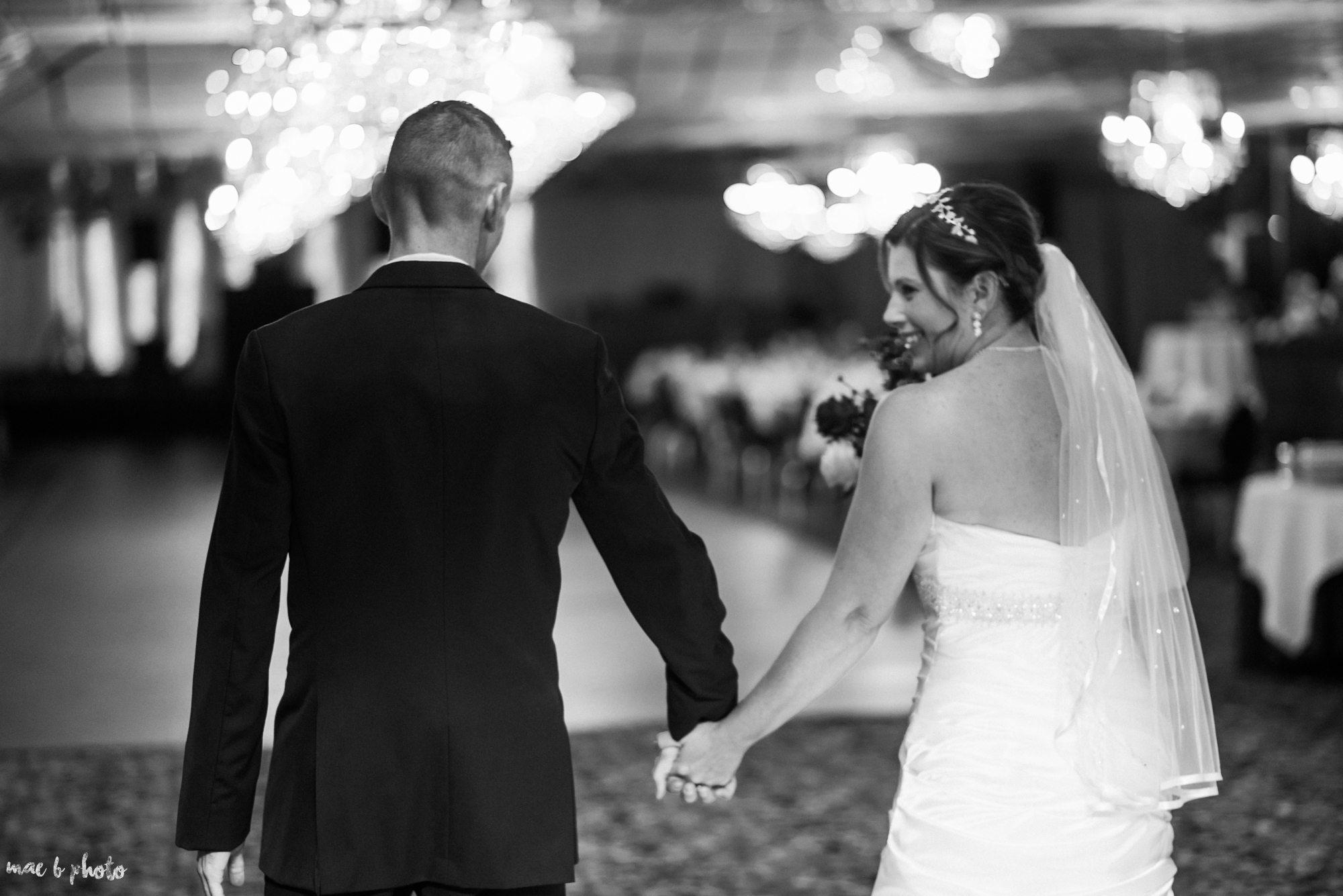 tracey and aaron's personal fall wedding at tiffany's banquet center in brookfield ohio-42.jpg
