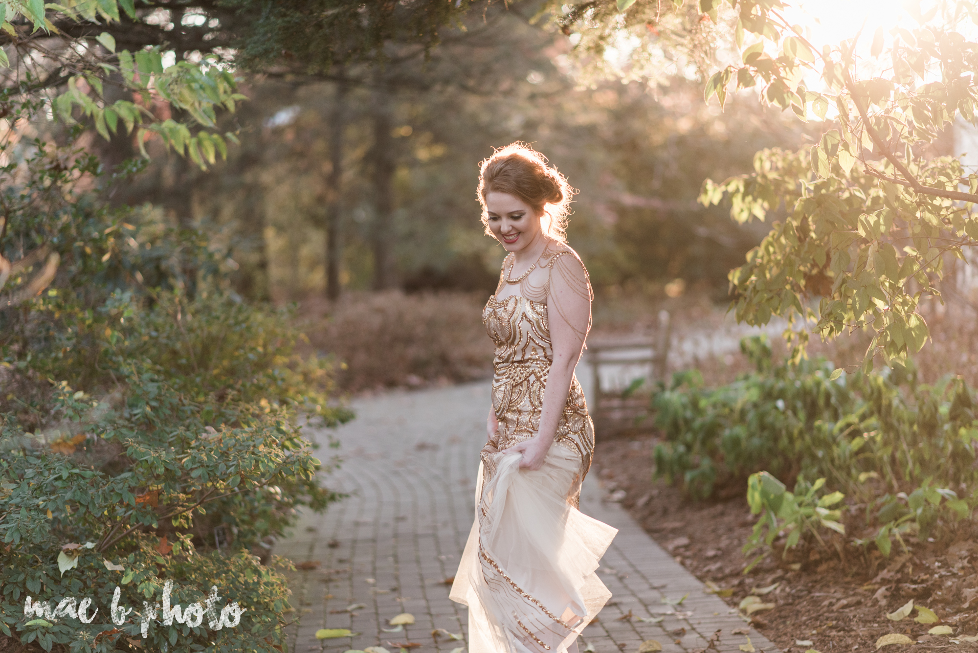 great gatsby inspired golden hour shoot in mill creek park-38.jpg