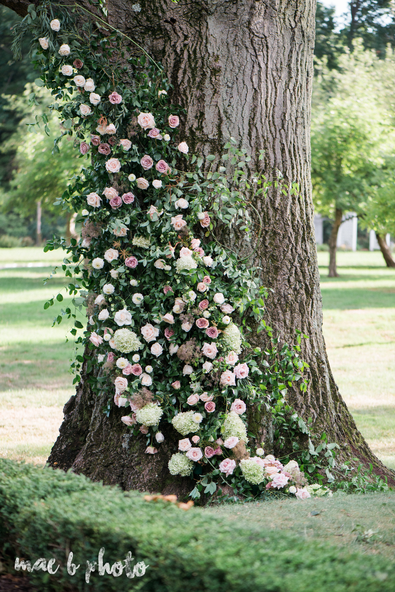 classic romantic summer wedding shoot at the mooreland mansion in cleveland ohio photographed by youngstown wedding photographer mae b photo-65.jpg