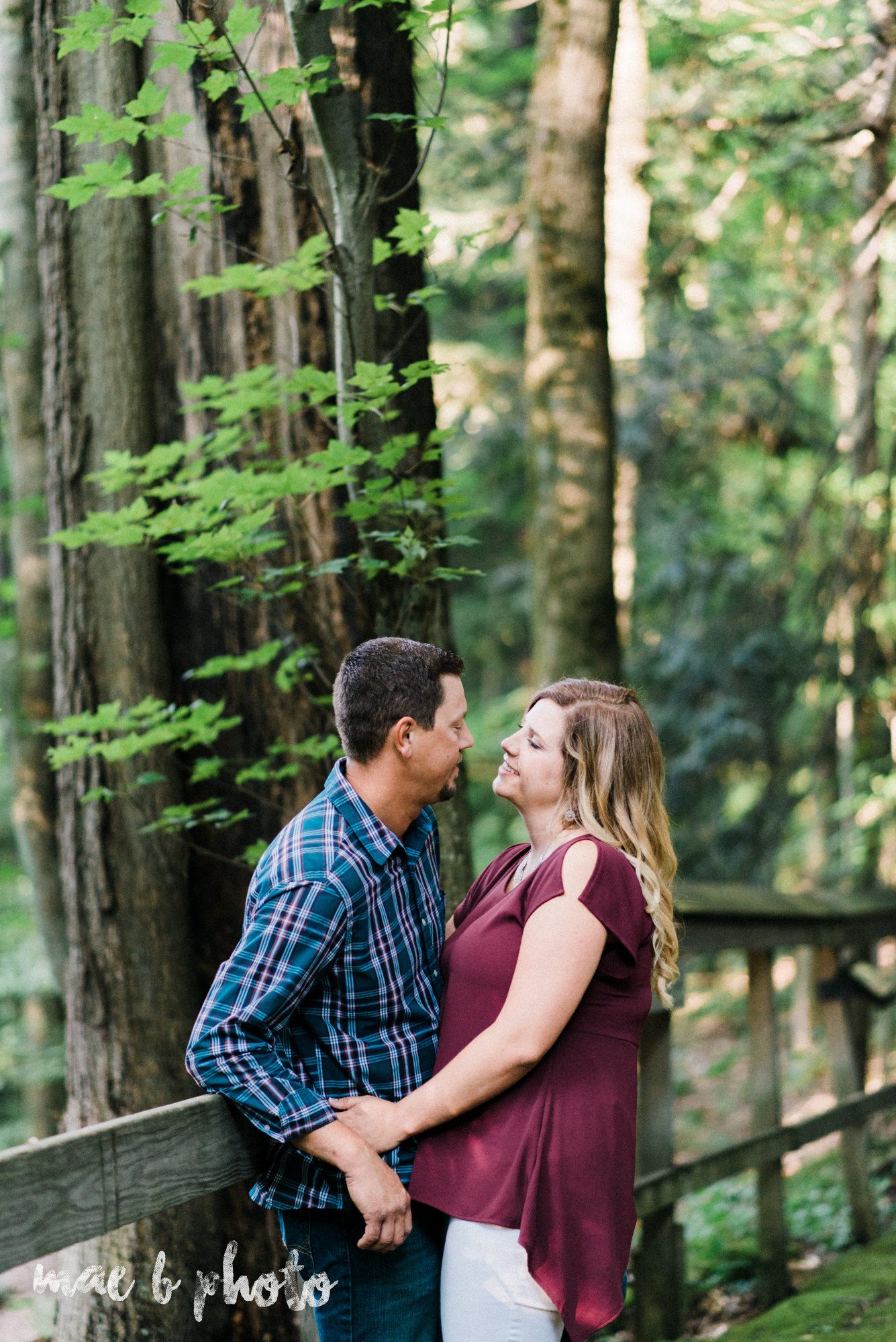 becca and rich's woodsy summer engagement session at ford nature center in mill creek park in youngstown ohio photographed by cleveland wedding photographer mae b photo-2.jpg